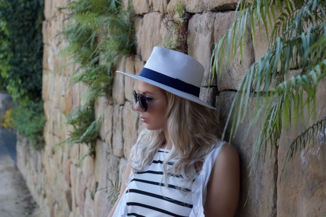Mbcosblog striped dress white streetlook marbellafashion dresslink
