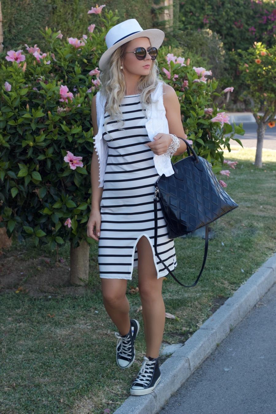 whitestripeddress marbellafashion mbcosblog fashion streestyle dresslinkdress