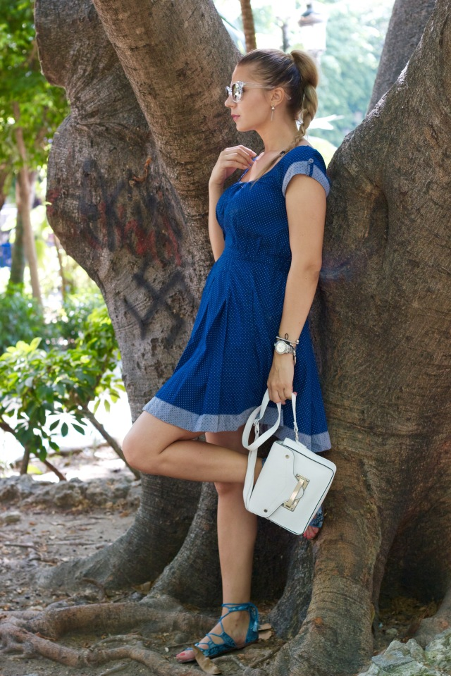blue dress summer time whitemini bag outfit casual