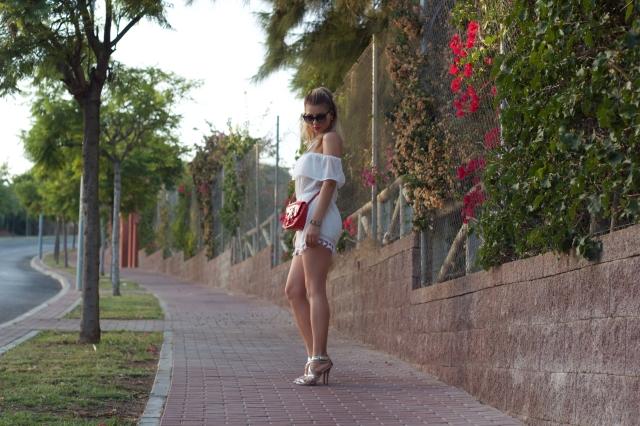 whiteromper dresslinkclothing redmangominibag tomfordsunglasses