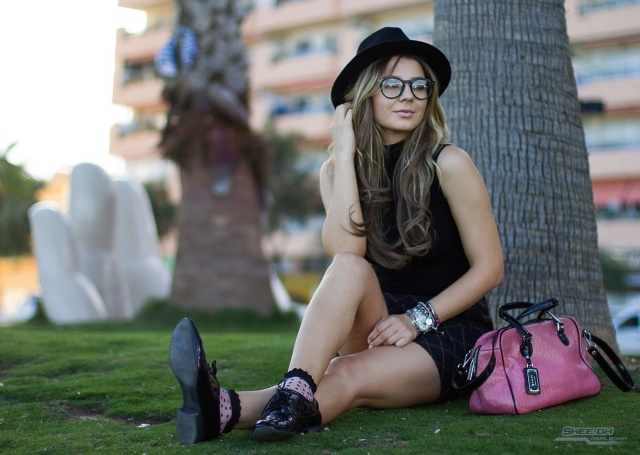 mbcos blog de moda fuengitola views malaga fashion blogger all black nerd look