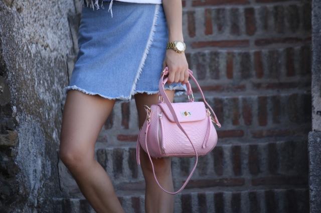 Mbcos spanish fashion blogger Malaga Spain best look 2016 fall denim trends scarf trends pink handbag how to wear asymmetrical skirt malaga moda