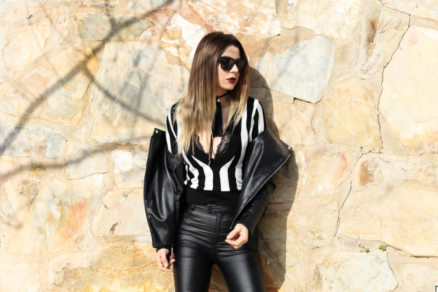 MBCOS fashion blogger black and white chocker 2017 black flecos panatlones de cuero top blog de moda malaga ootd black and white look bestlooks2017 spanishinfluencer zaful clothing marcjacobs sunglasses