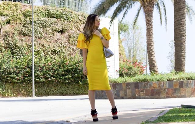 Mbcos fashion blogger insta blogger yellow fashion mia dress best looks 2017 autumn looks lookbook malaga looks mbcos instagram versace jeans bag altramarea shoes